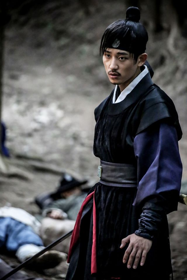 Check Out Jung Hae In Shocking Transformation For His First Movie Lead Role